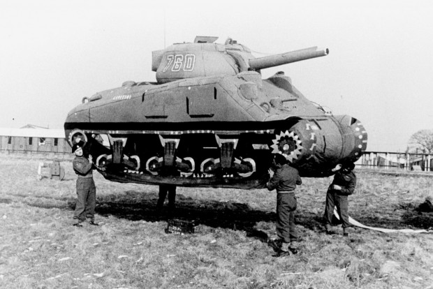 tank-gonflable-seconde-guerre-mondiale-bo