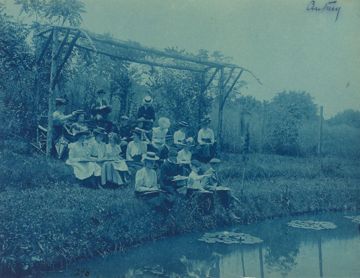 Sortie scolaire au bord d'un lac d'une école publique de Washington
