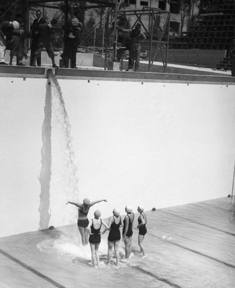 Myst re 200 le remplissage de la piscine olympique de for Remplissage automatique piscine