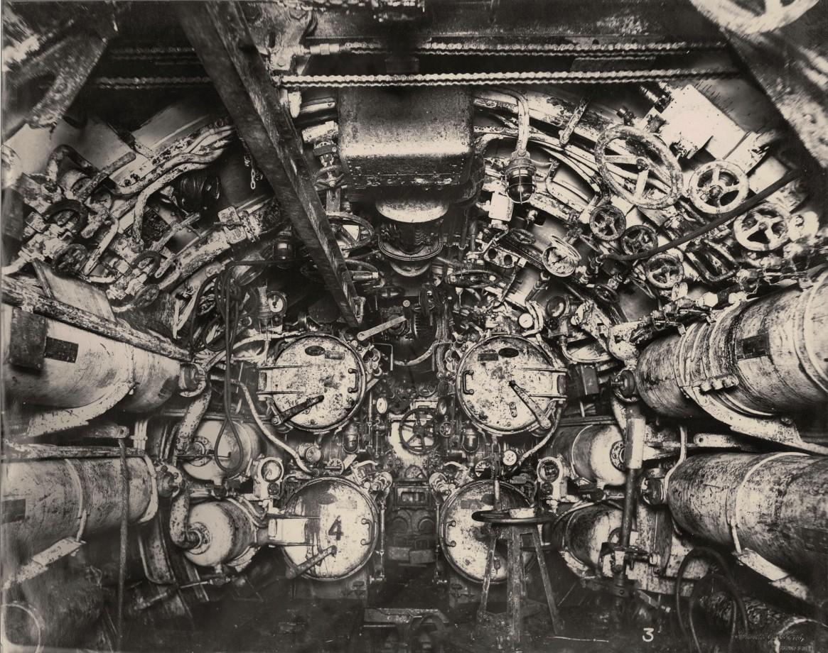 uboat-interieur-controles-sousmarin-06