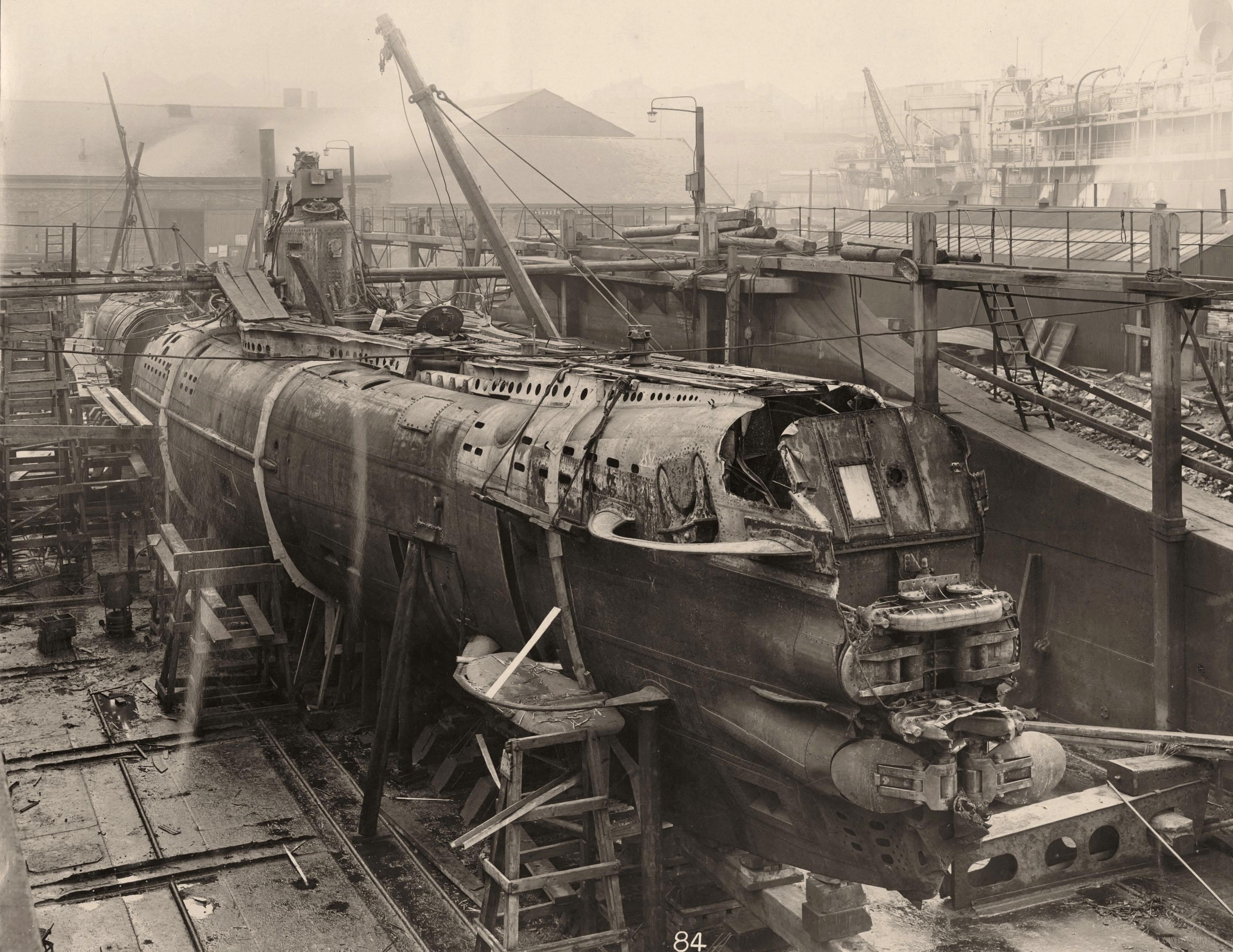 Uboat interieur controles sousmarin 24 la boite verte for Interieur sous marin