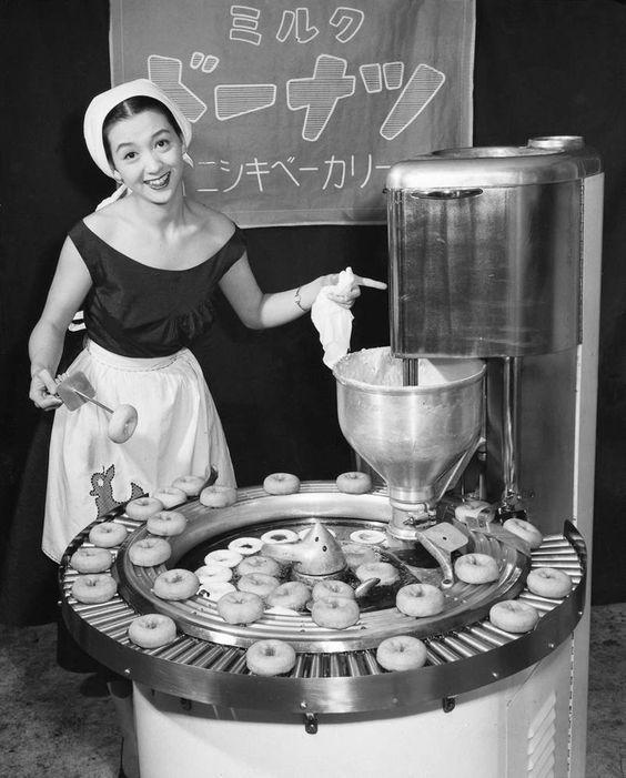 La franchise Krispy Kreme propose son concept jusqu'au Japon dans les années 50