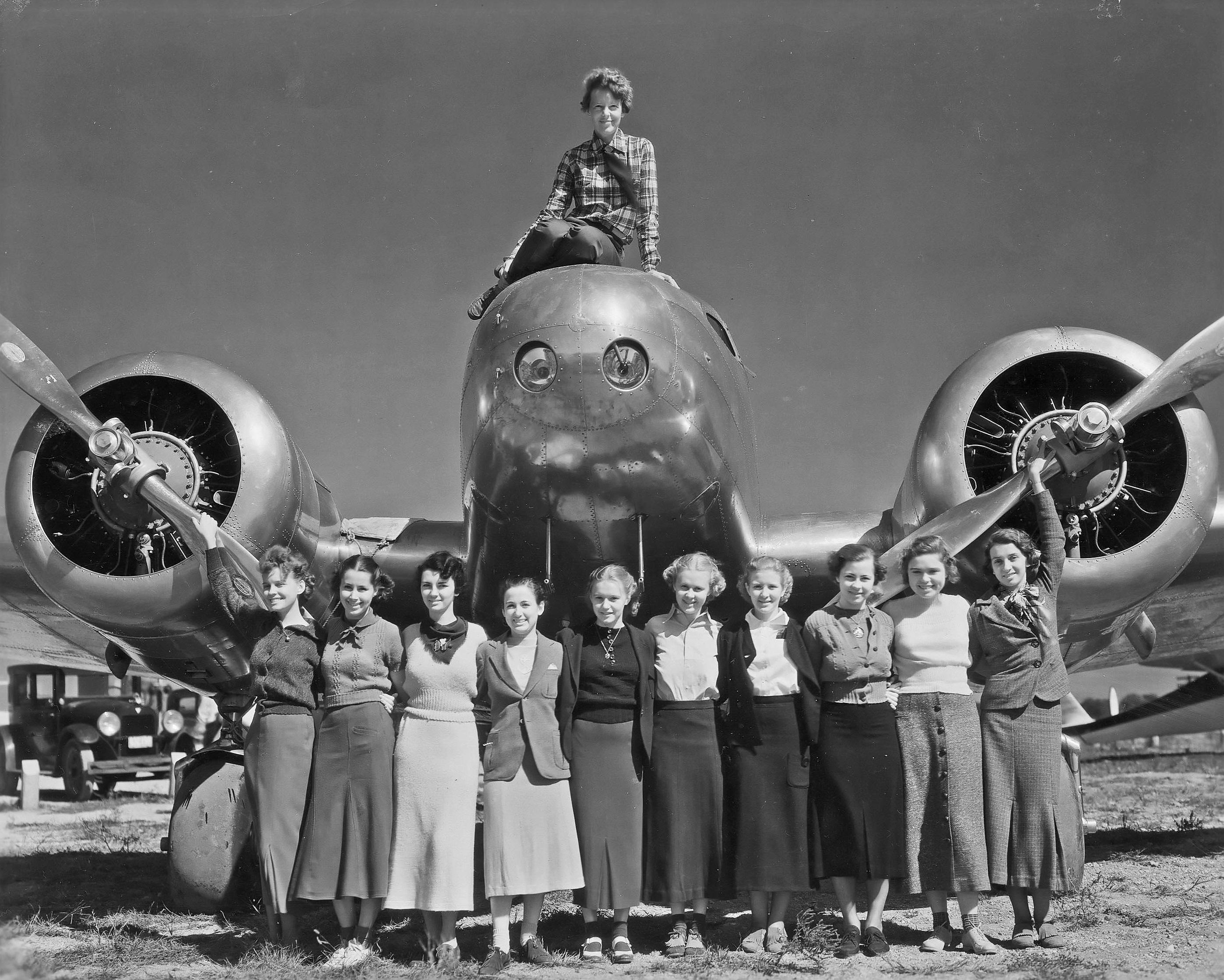 Amelia Earhart Avion Etudiantes La Boite Verte