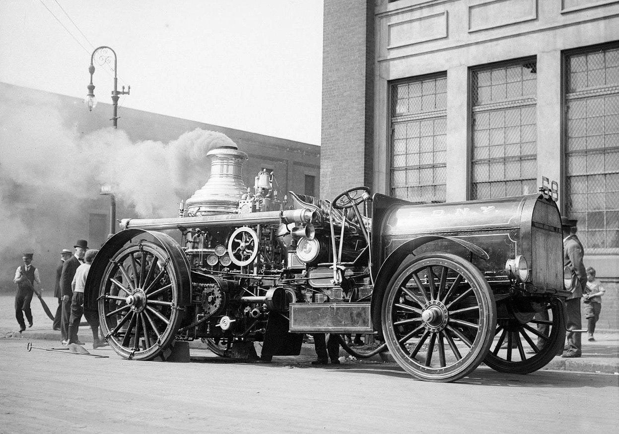 Un camion de pompier à vapeur des pompiers de New-York