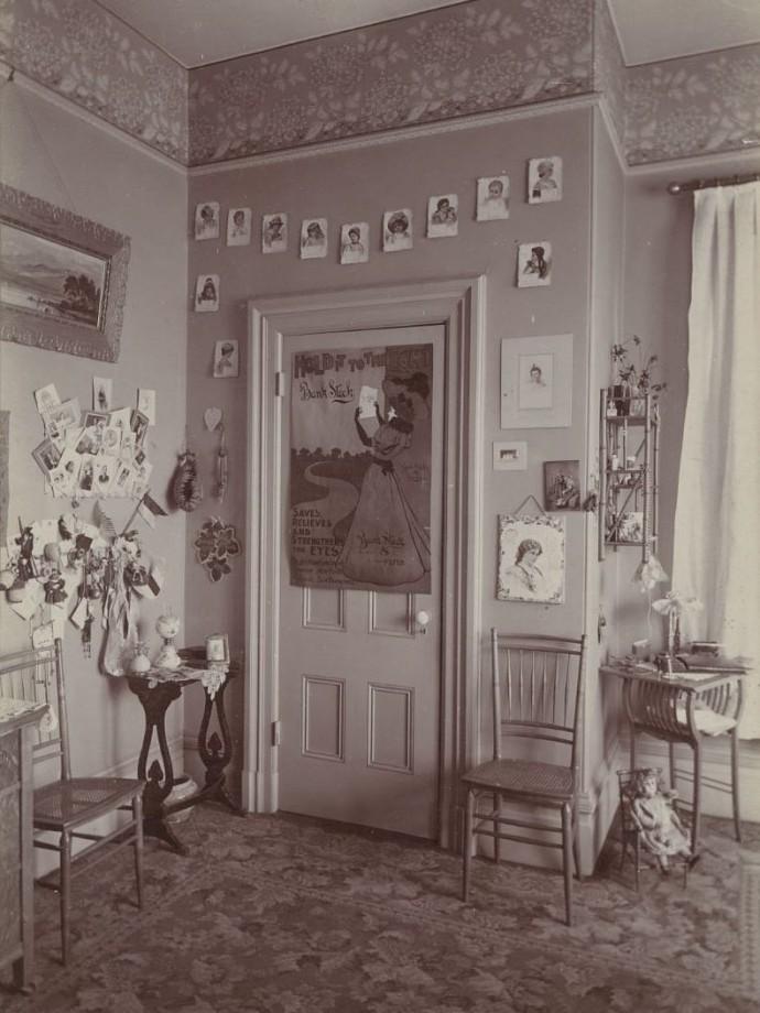 Une chambre de jeune fille, Oakland - 1898