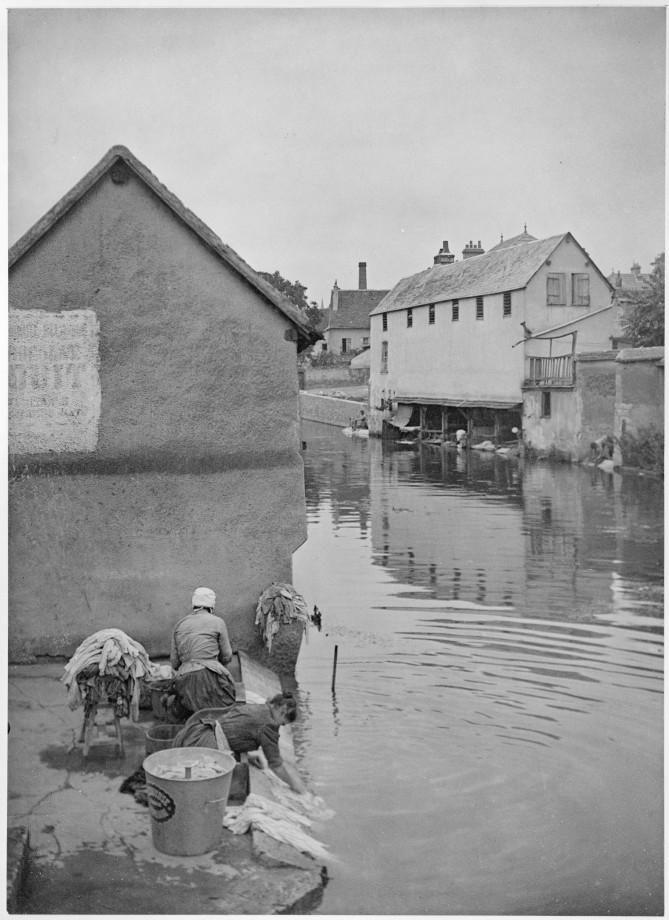 Jour de lessive à Chartres, 1903
