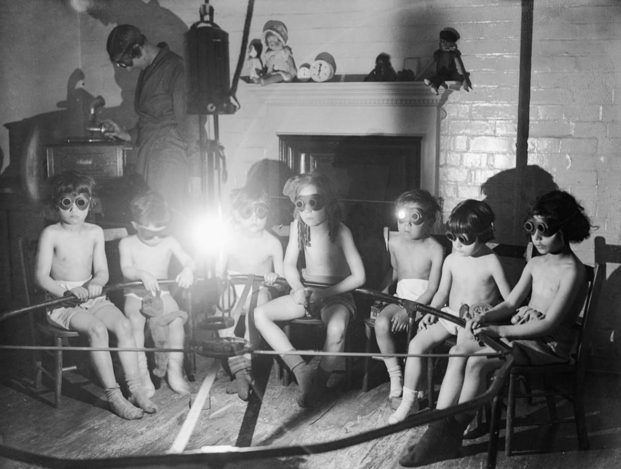 De la luminothérapie en musique, Londres - 1931