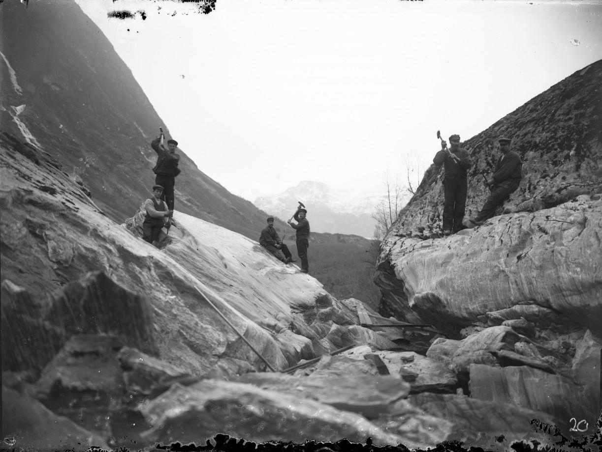 Travaux de construction sur la rivière Erdalselva, Norvège - ~1910