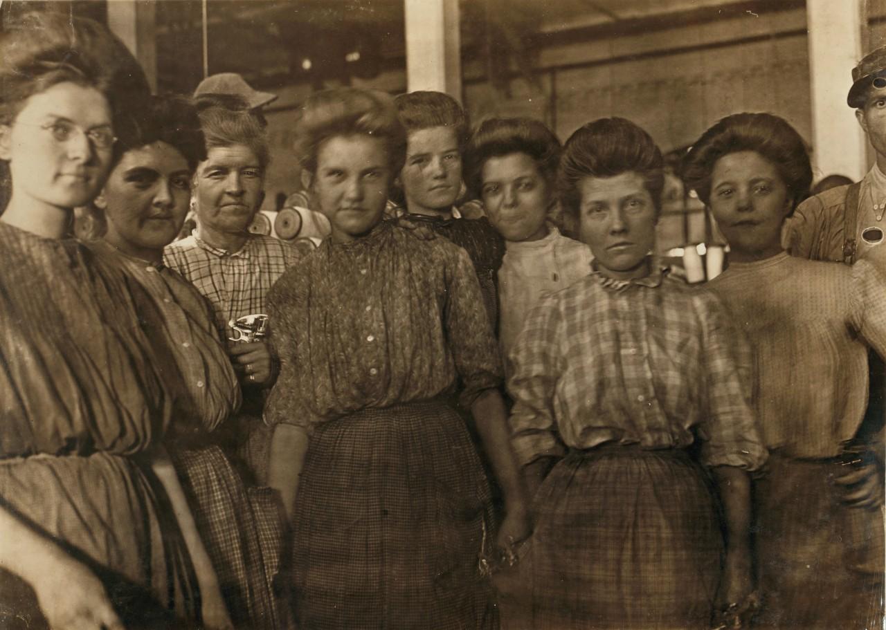 Une partie des travailleurs adultes d'une usine à Macon, Géorgie ( USA ) - 1895