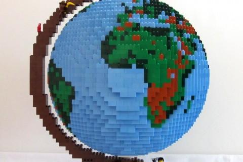 globe-lego-02