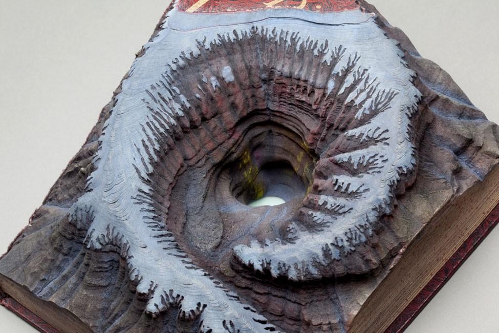 guy-laramee-neige-livre-sculpture-02