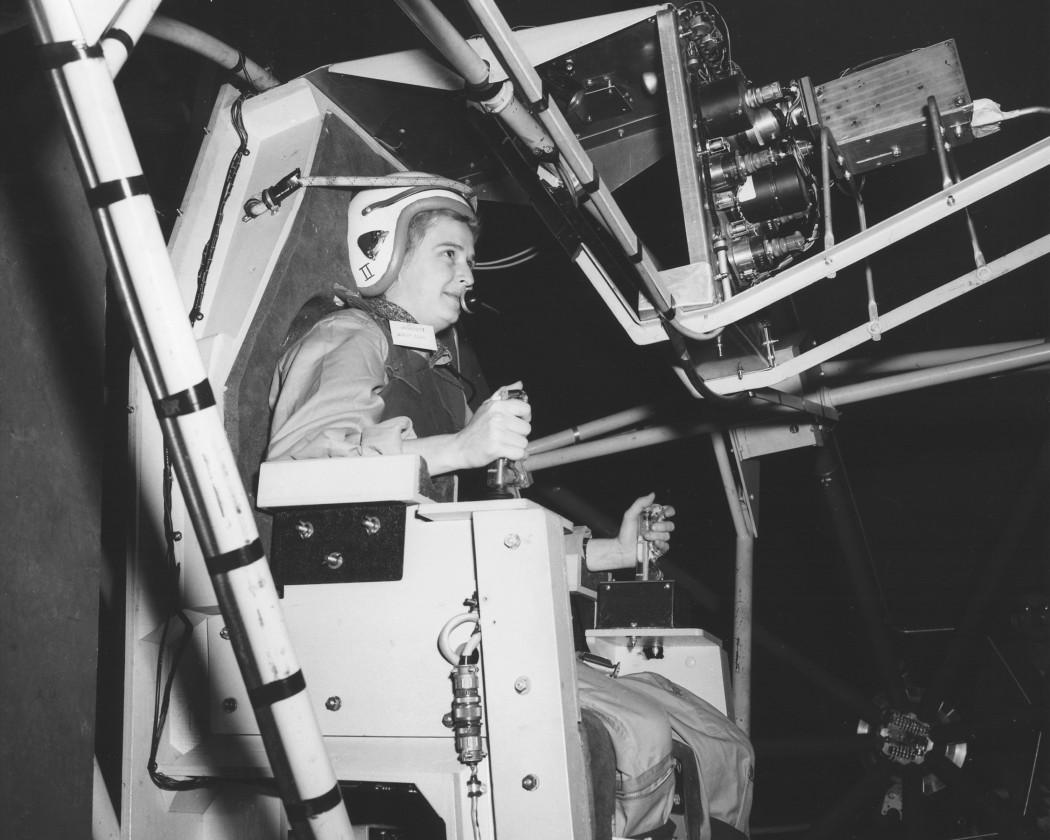 Jerrie Cobb pendant un test d'évaluation du programme Mercury 13