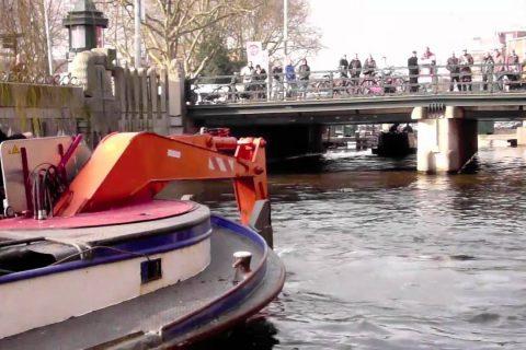 A la pêche aux vélos d'Amsterdam