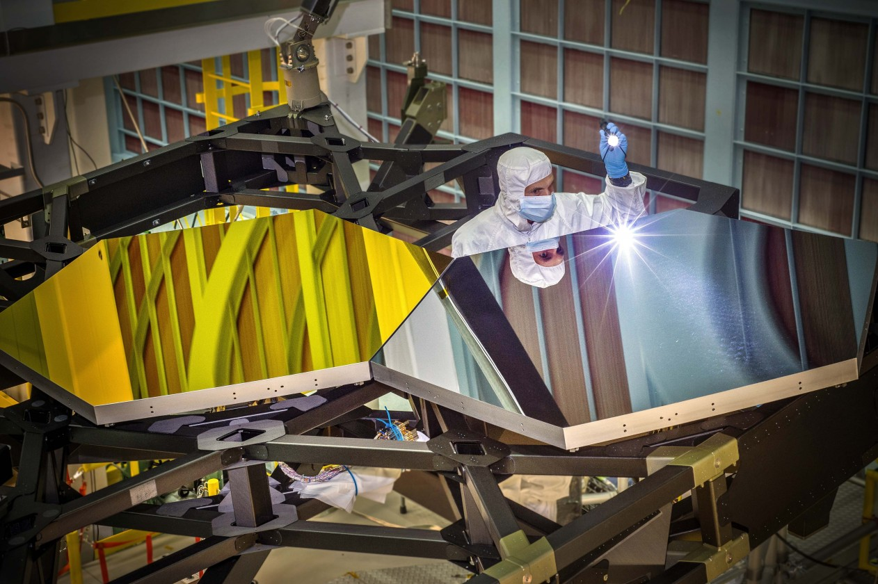 assemblage-construction-james-webb-telescope-espace-07