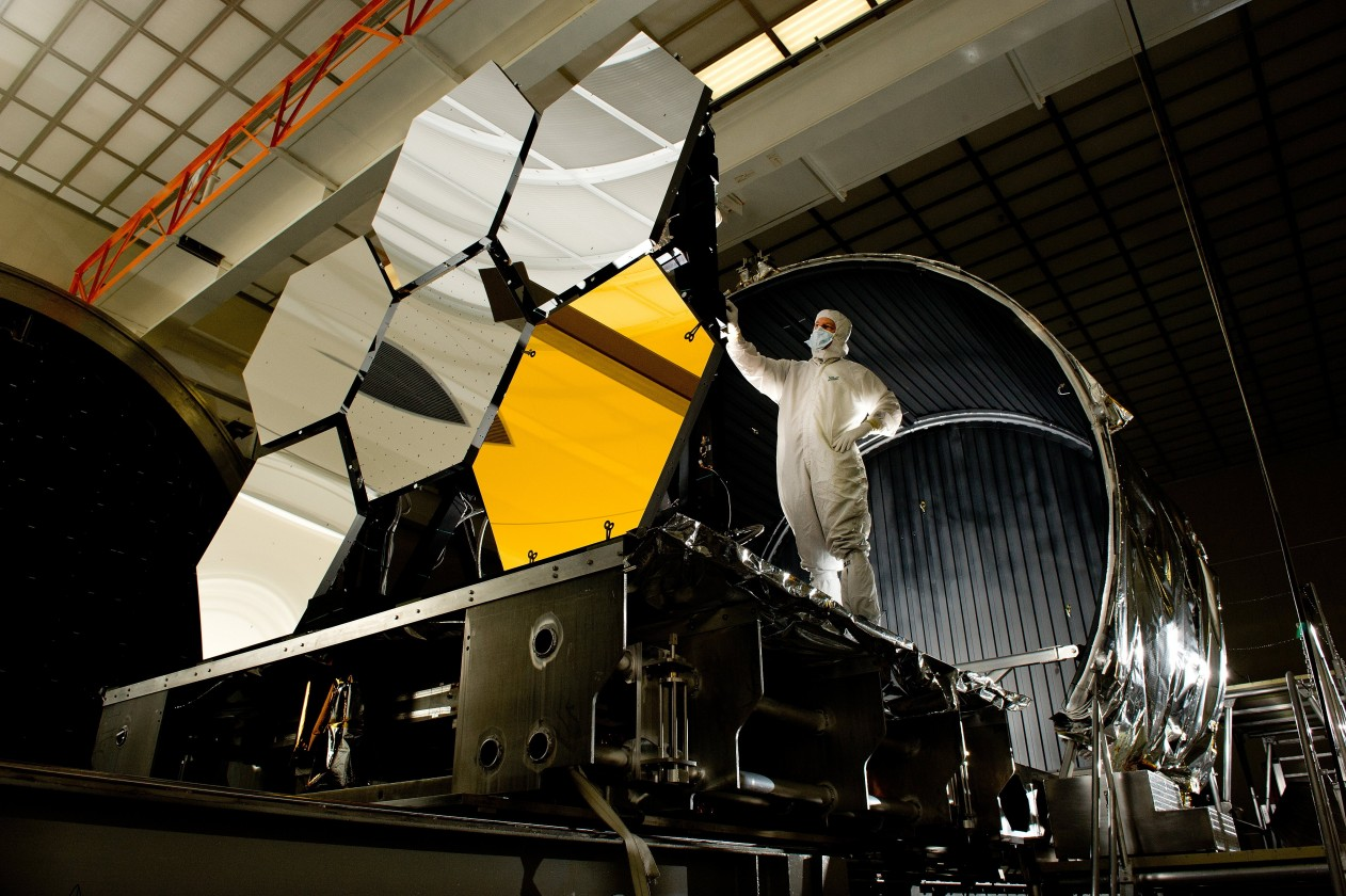 assemblage-construction-james-webb-telescope-espace-14