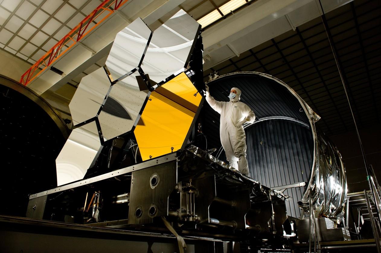 assemblage-construction-james-webb-telescope-espace-14