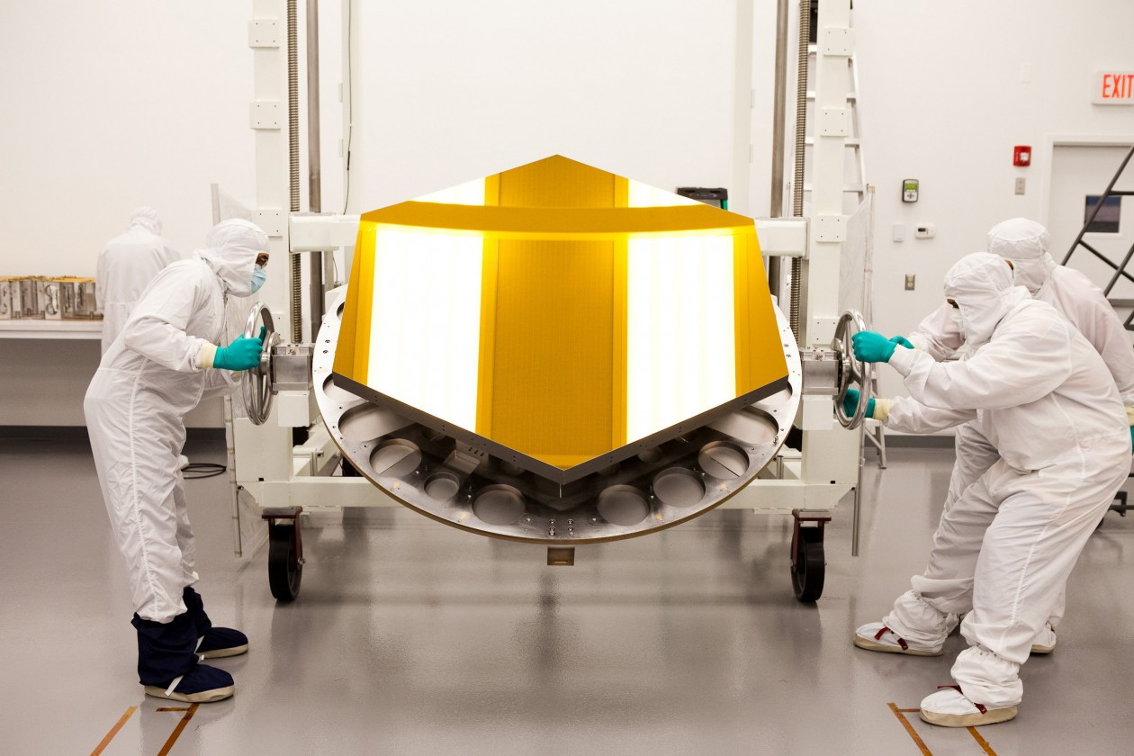assemblage-construction-james-webb-telescope-espace-19