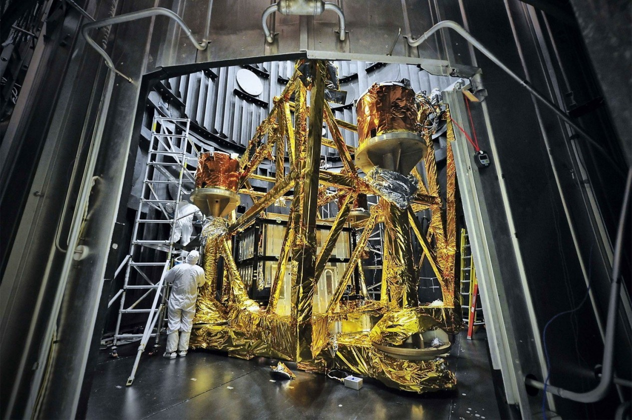 assemblage-construction-james-webb-telescope-espace-35