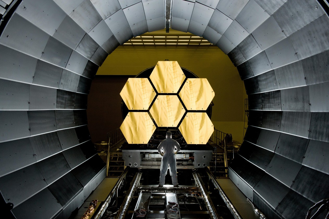 assemblage-construction-james-webb-telescope-espace-41