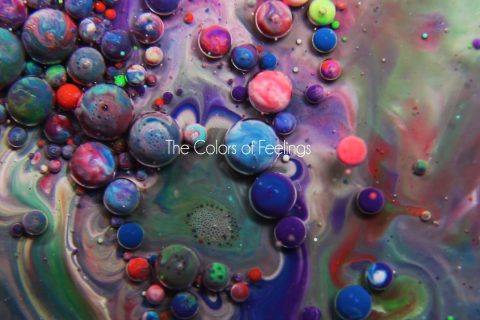 Des couleurs qui flottent et tournent