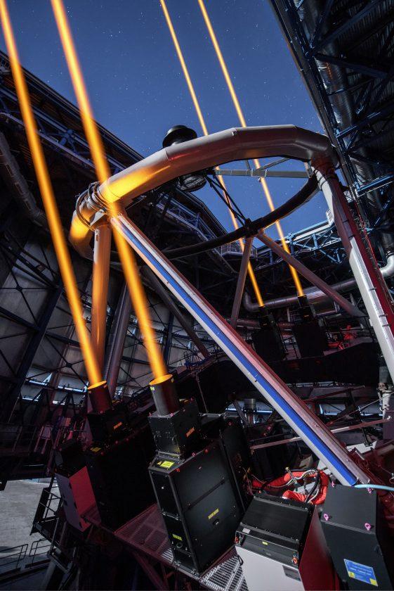 eso-vlt-laser-telescope-03