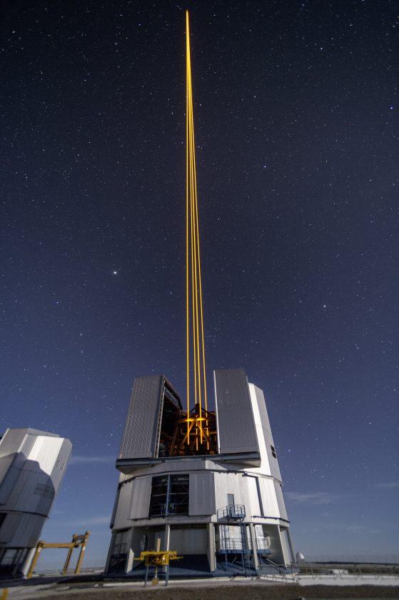 eso-vlt-laser-telescope-12