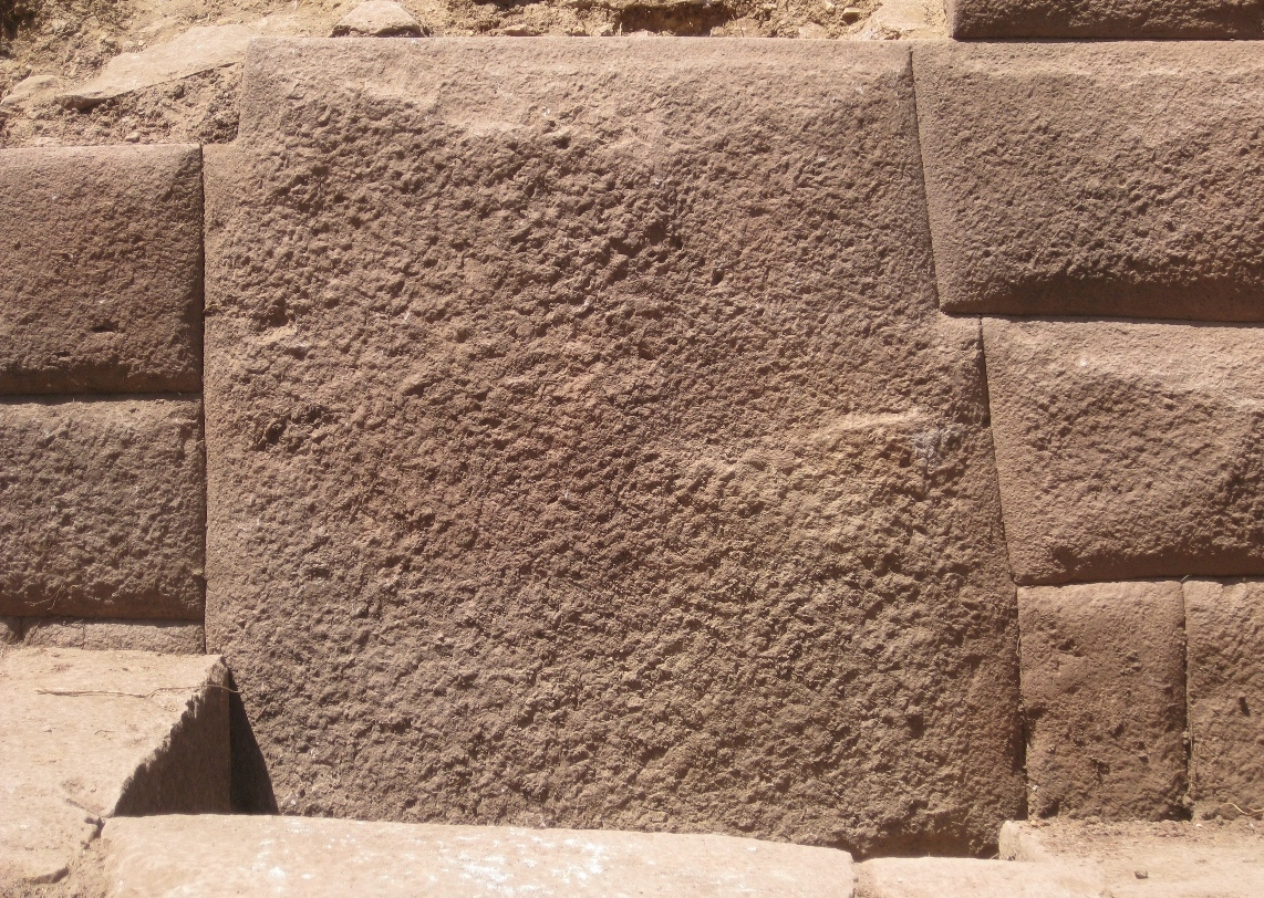 With 13 angles, a stone has been found by researchers in Peru that could undermine the famous 12-Angle Stone that has drawn thousands of tourists