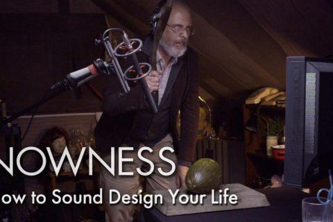 Un bruiteur crée les sons d'une vie