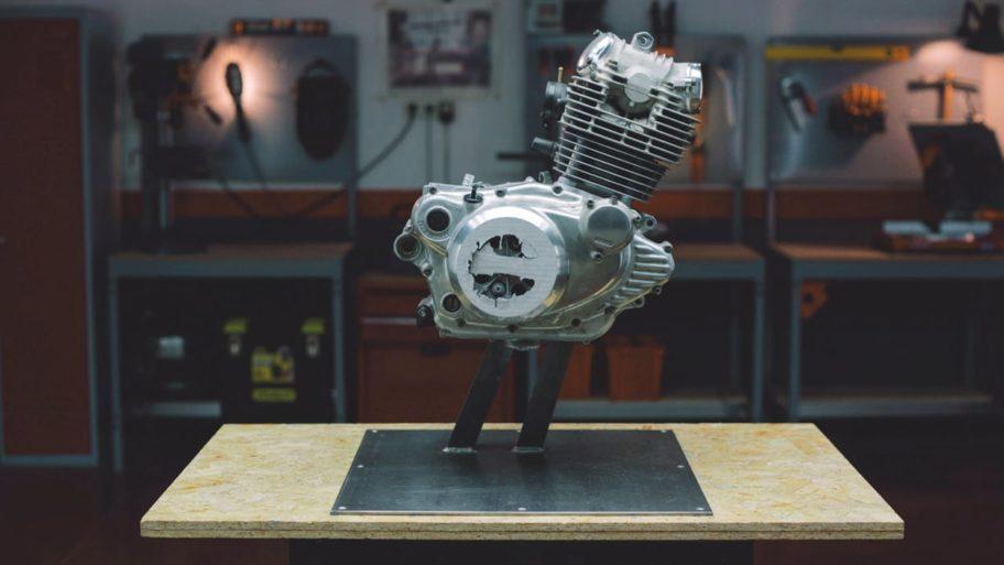 Un moteur poncé centimètre par centimètre