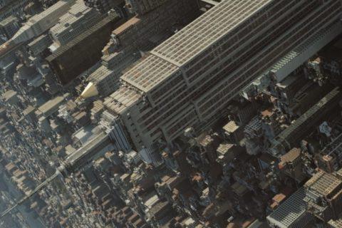 Virevoltez au dessus de New York avec cette vidéo originale