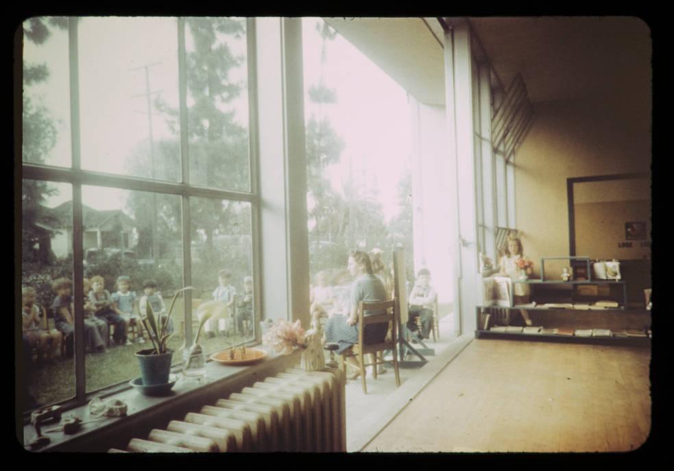 11-Experimental_Garden_School_Bell_Calif_1935