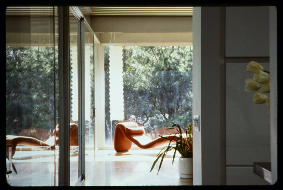 29-Riebe_residence_living_room_Carmel_Valley_Calif_after_1990