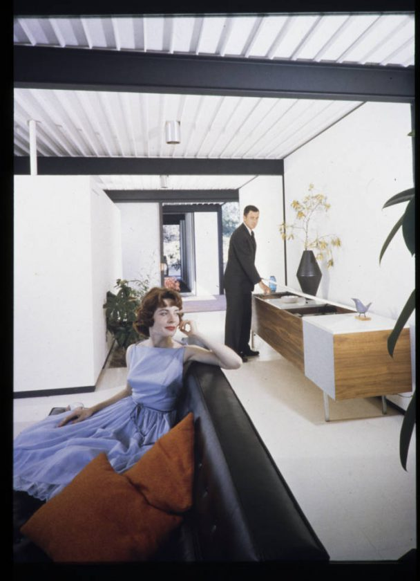 45-Bailey_residence_living_room_West_Hollywood_after_1958
