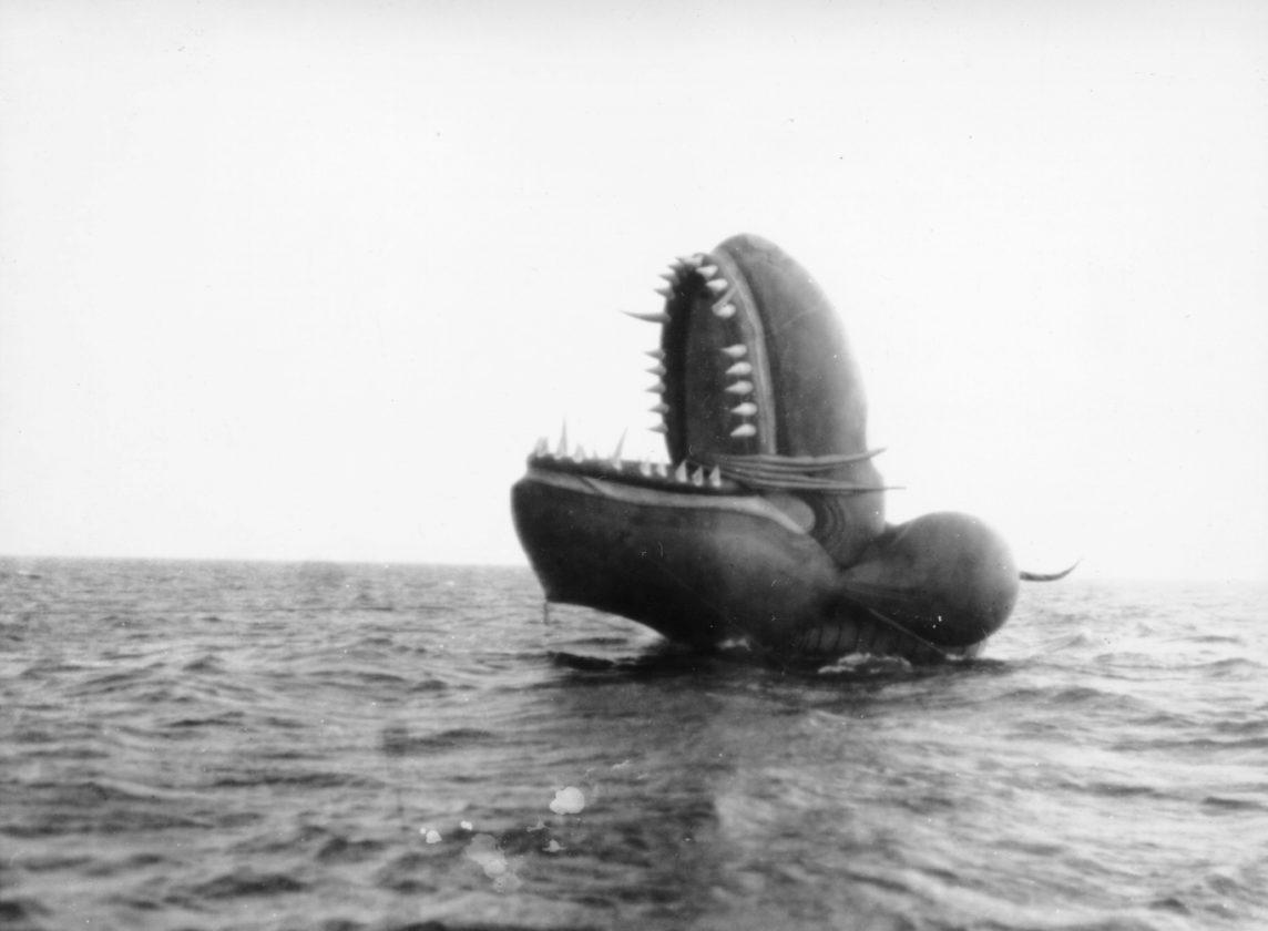 Sea-Serpent-Nantucket-Monstre-33