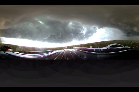 Chassez une énorme tornade avec cette vidéo à 360°