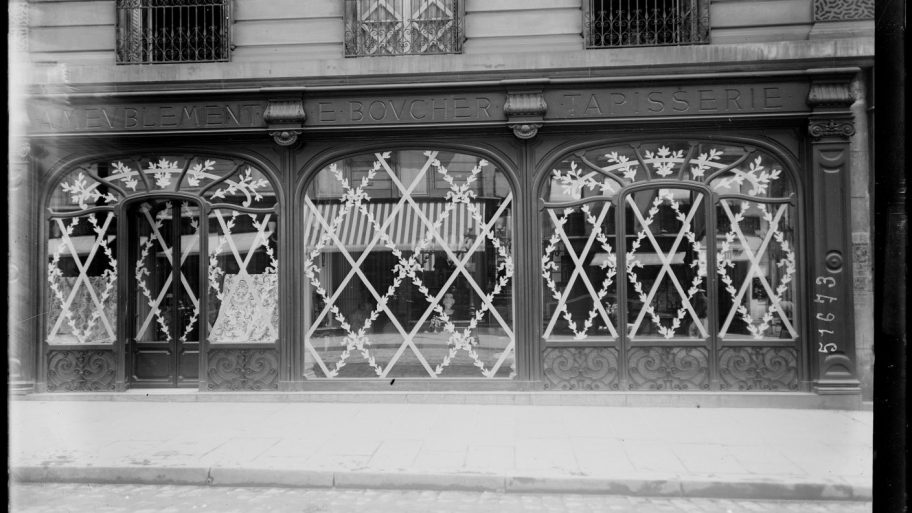 protection-vitrine-bombardement-guerre-paris-01