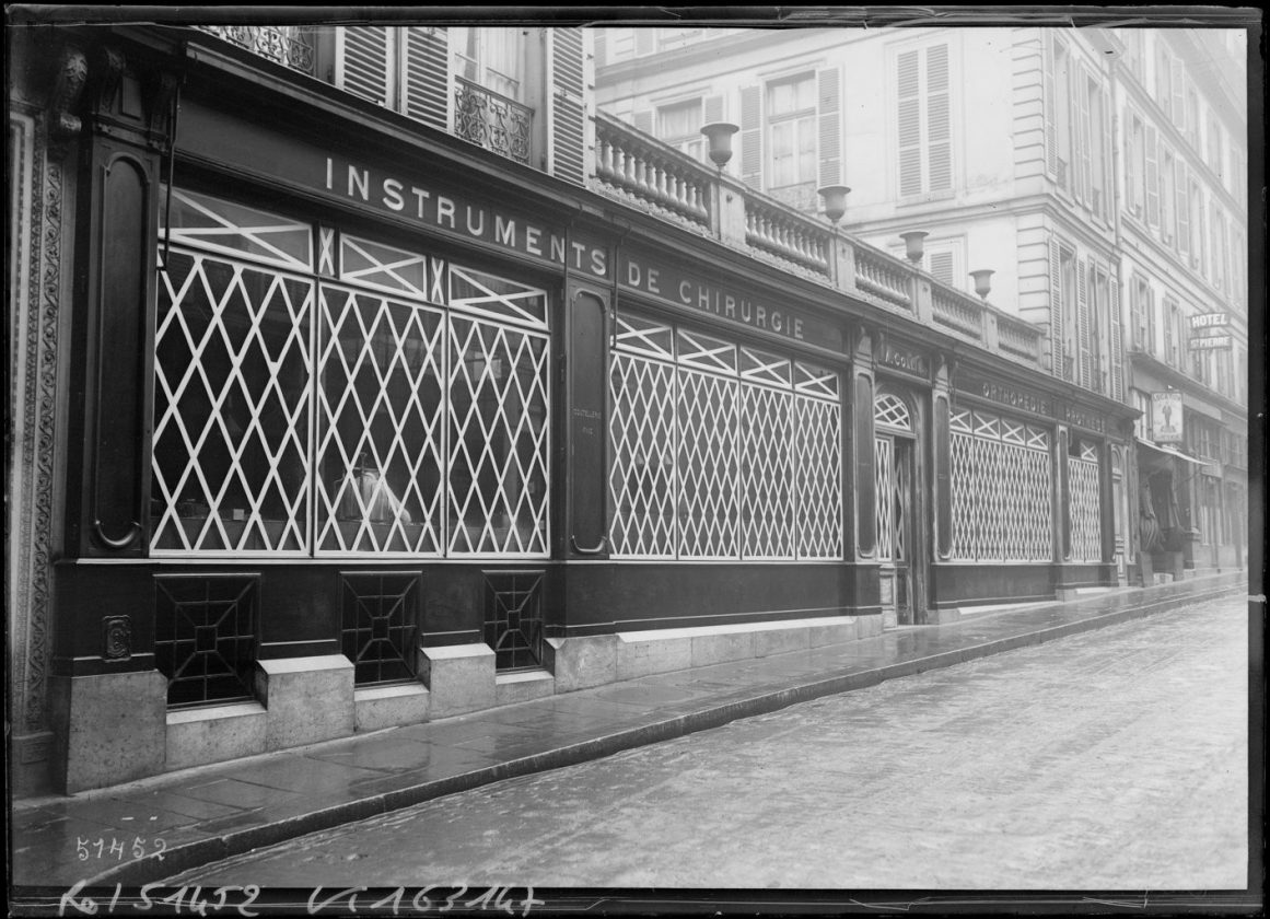 protection-vitrine-bombardement-guerre-paris-09