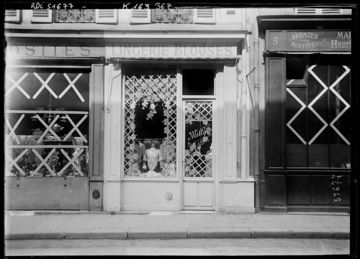 protection-vitrine-bombardement-guerre-paris-11