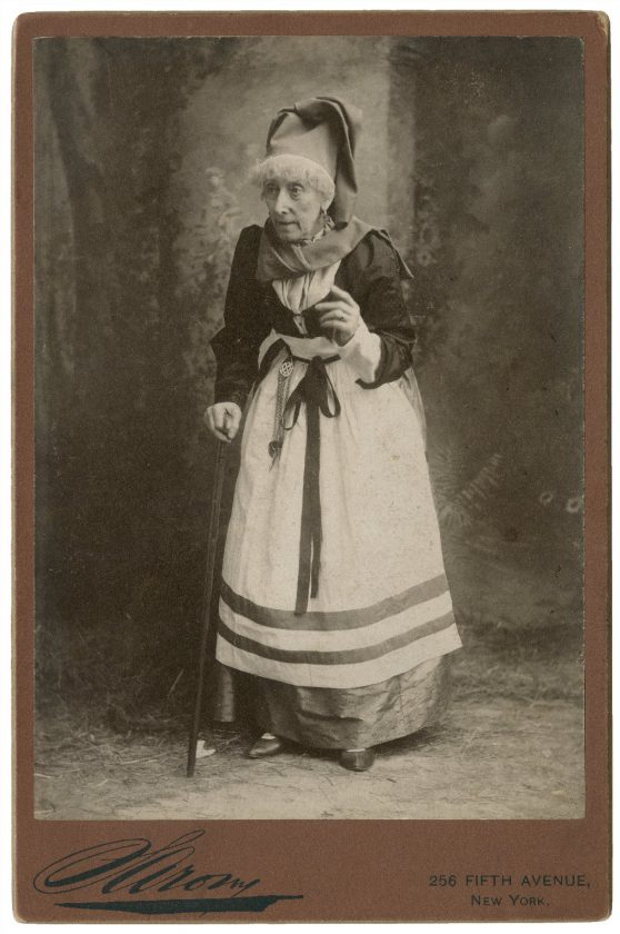 Mrs-G-H-Gilbert-Actrice-UK-01