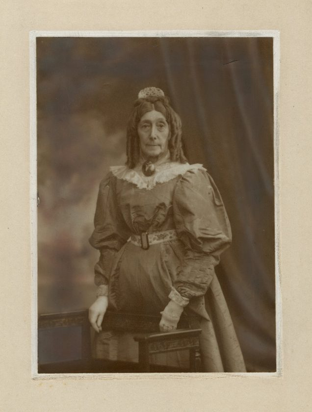 Mrs-G-H-Gilbert-Actrice-UK-05