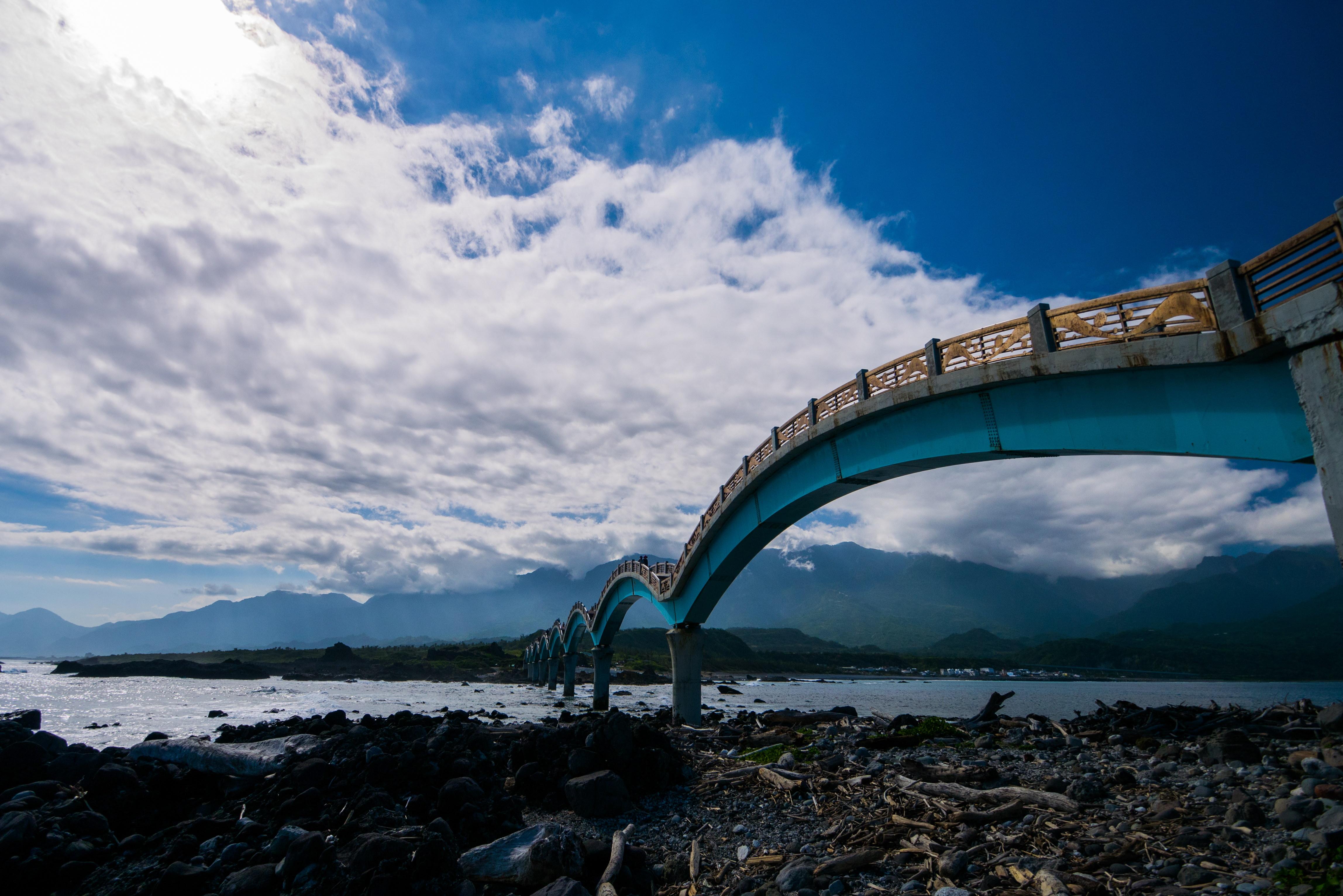 Sansiantai Pont Dragon Taiwan 04 La Boite Verte