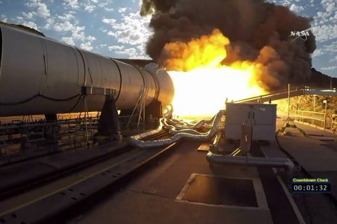 La Nasa teste le gros booster de la fusée qui partira vers Mars