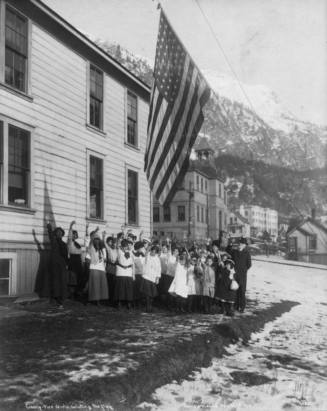 photo-ancienne-drapeau-americain-01