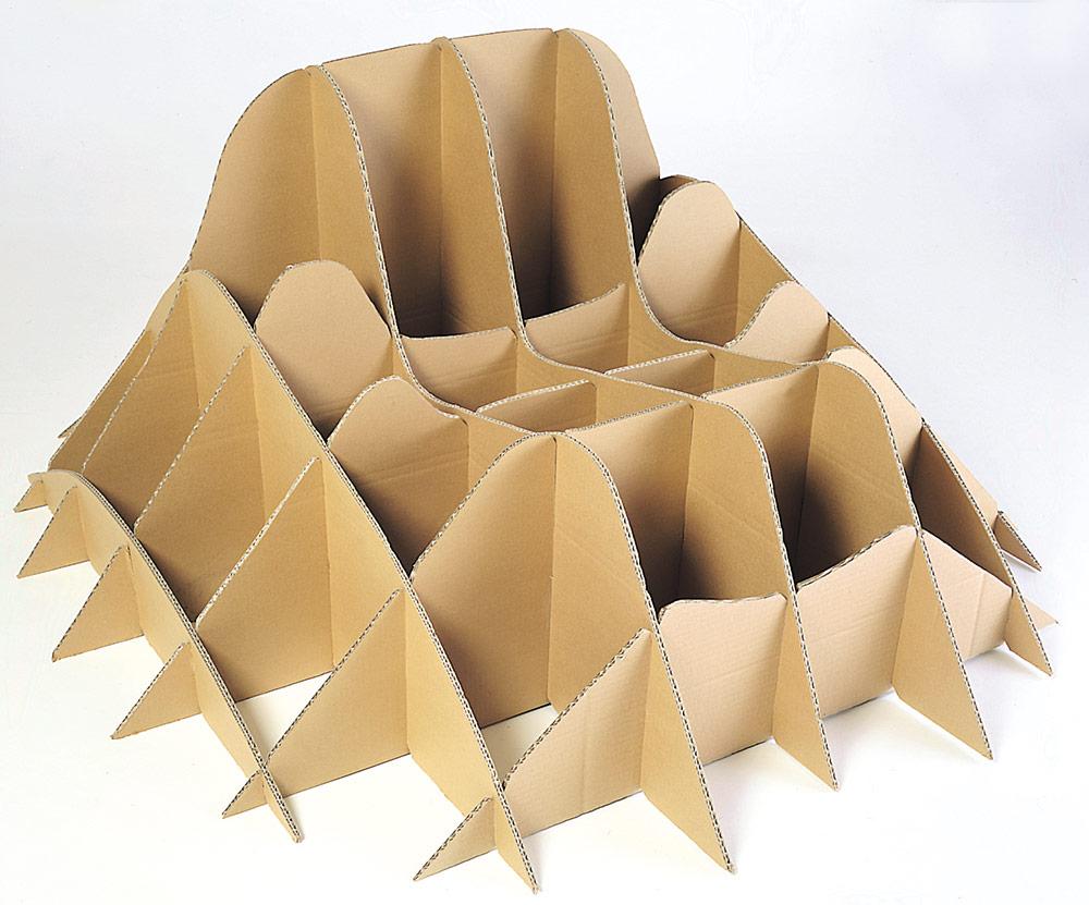 carton-chaise-herbe-02