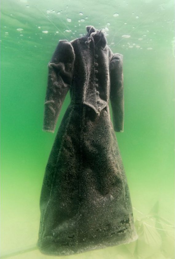 robe-sel-sculpture-mer-morte-03