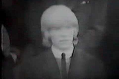 David Bowie à la télévision pour la première fois en tant que militant des cheveux longs