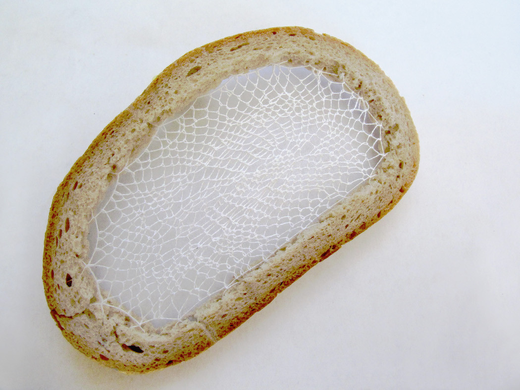 pain-brode-fil-textile-tranche-02