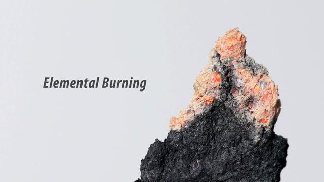 La combustion de cinq éléments chimiques