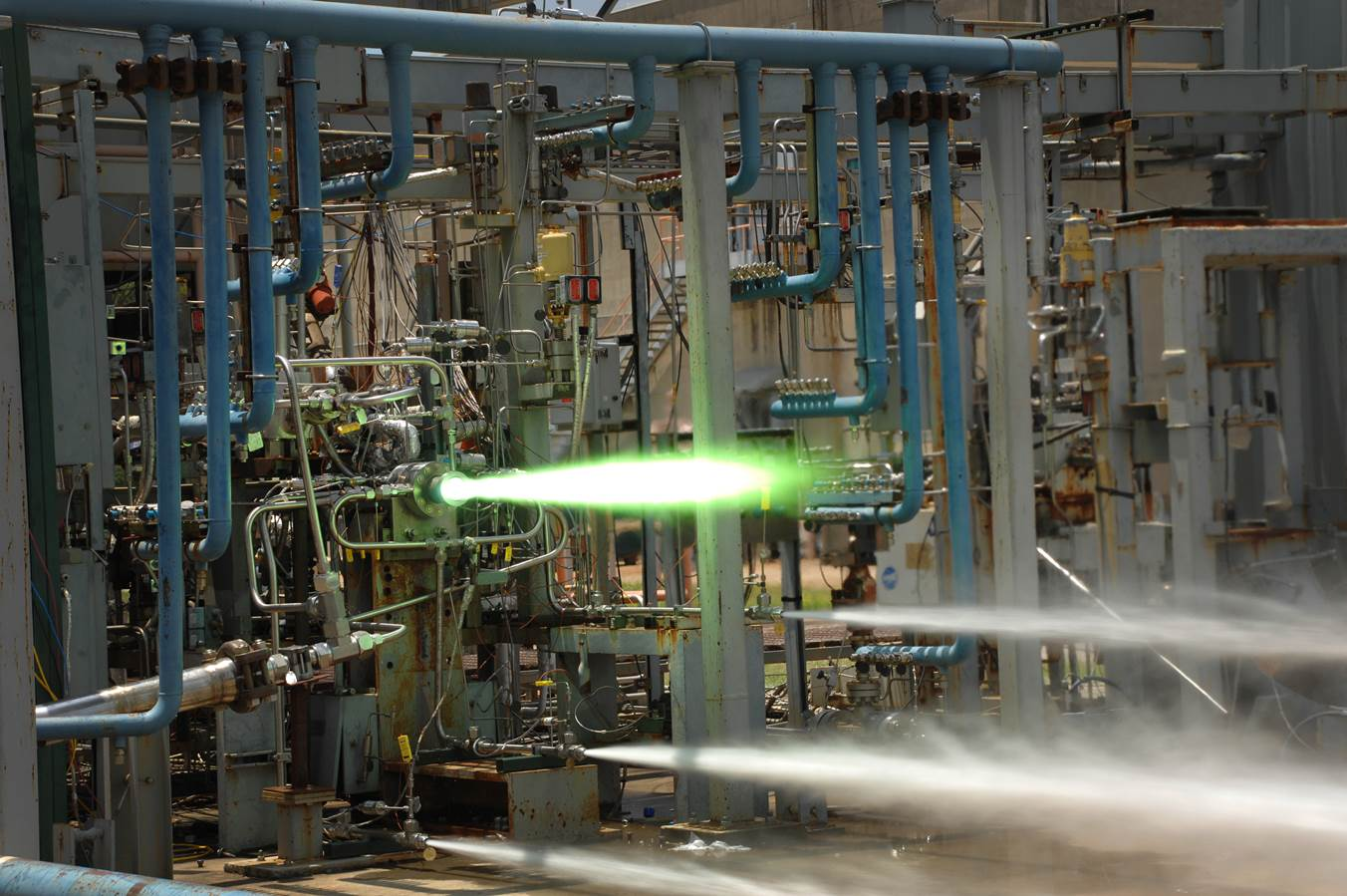 05-test-moteur-fusee-nasa-image-of-sls-marshall-space-flight-center-fuel-injector-3d-printed-additivel