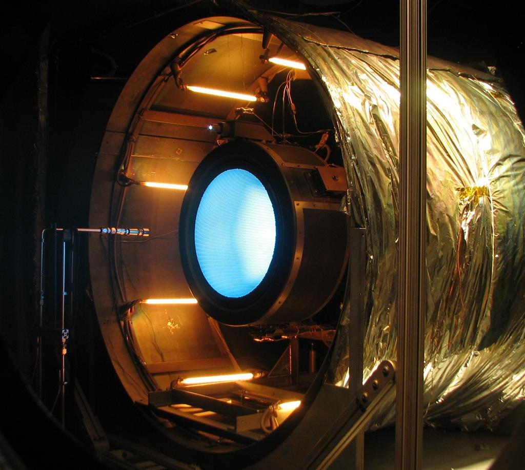 07-test-moteur-fusee-ion-thrusters1